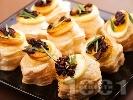 Рецепта Бутер парти хапки с яйца, маслини и розмарин